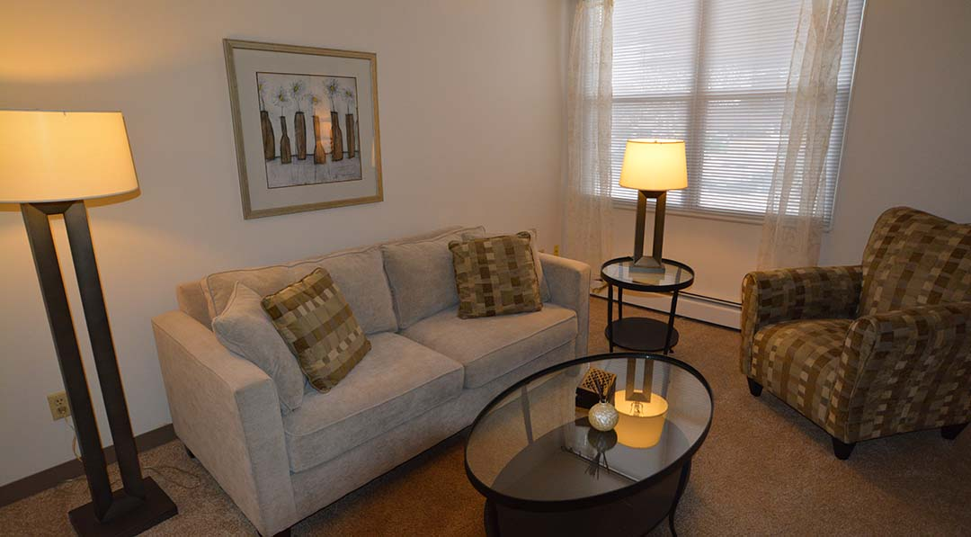 Evergreen square - 1 bedroom apartments milwaukee wi ...