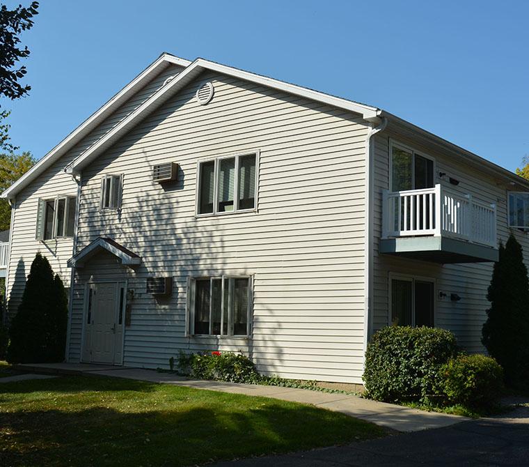 Apartments Listings: Metropolitan Associates